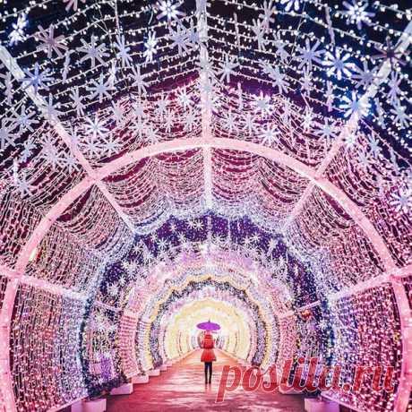 Волшебная  улица Москвы на Рождество
