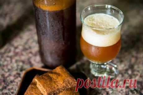 Крепкий алкогольный квас из хлеба в домашних условиях | САО «В ХЛАМ» | Яндекс Дзен