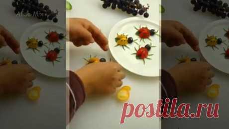 Ёжики из груши, осьминоги из банана и другие аппетитные фигурки для украшения стола на детский праздник