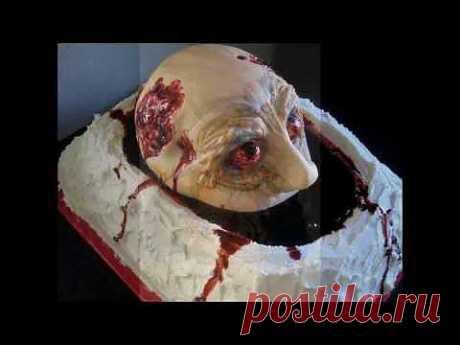 Как выглядят торты на Хэллоуин (Halloween) .  Оформление даже самого вкусного блюда играет огромную роль в восприятии вкуса. Здесь кулинары явно перестарались, пару тортов я бы даже пробовать не стал, а Вы? Источник https://www.youtube.com/user/ZakyckaRu
