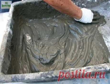 Как улучшить качество цементного раствора Сохрани-пригодится  Немногие знают, но в прошлом часто использовали клей ПВА для улучшения свойств цементного раствора. Готовый состав использовали для стяжки пола, штукатурки стен и укладки керамической плитки. В результате поверхности получались прочными, почти не стирались и такие стены, полы выглядят как новые до сих пор.  Сейчас в строительных магазинах появились фабричные пластификаторы и другие добавки для улучшения свойств ...