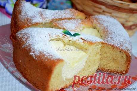 Пирог на кефире с творогом — румяный, с хрустящей корочкой и нежным бисквитом
