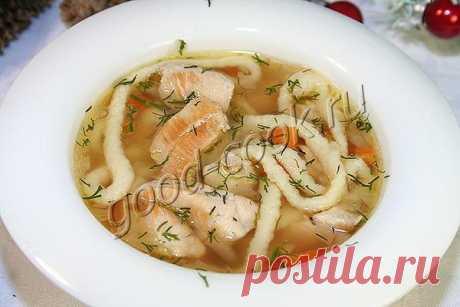 La sopa de gallina con los tallarines de casa.