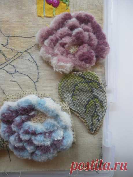 Colgando de un hilo: rosas de trabajo de lana de Berlín