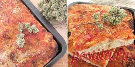 Вкуснейшая сицилийская пицца с анчоусами - Четыре вкуса - медиаплатформа МирТесен Представляем вашему вниманию рецепт очень вкусной пиццы, которая понравится многим. Родом она из Сицилии и имеет название «Сфинчионе». Особенность этой выпечки в ее составе и в том, что сыр выкладывается прямо на тесто, а не последним слоем. Также есть некоторые нюансы в раскатке теста. Но,...