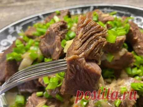 Готовлю шикарное мясо по-хрущевски. Сочнее, вкуснее и проще, чем шашлыки - БУДЕТ ВКУСНО! - медиаплатформа МирТесен Я этот рецепт просто обожаю. Особенно, когда на улице прохладно или погода не позволяет приготовить мясо на мангале. Оригинальный рецепт называется Мясо По-Кремлевски. Но в нашей семье он прижился немного под другим названием- По-Хрущевски. Готовить намного проще, чем шашлыки, не потребуется