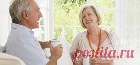 ЧИСТКА ОРГАНИЗМА ДЛЯ ПОЖИЛЫХ ЛЮДЕЙ.  С возрастом в организме человека происходят существенные изменения. Именно поэтому пожилым людям следует с осторожностью относиться к таким вещам, как выбор лекарств, борьба с лишним весом, пересмотр питания, чистка организма и т.д. Сегодня я предлагаю вашему вниманию три способа очищения организма, рекомендованных пожилым людям. Они не агрессивны, щадящи, безопасны, просты и доступны.