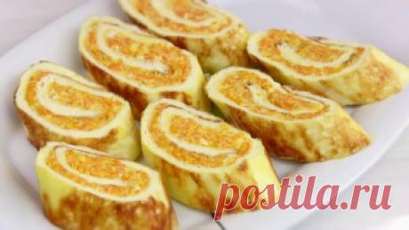 Рулет из омлета с сыром,чесноком и морковью яичный рулет закусочный Легкая быстрая закуска.Буквально 30 минут и очень вкусный нежный яичный рулет с пикантной начинкой у вас на столе.Продукты все простые и рецепт очень простой можно. Ингредиенты: омлет яйца 4 шт...