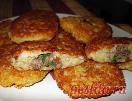 Деруны или драники с мясом внутри: рецепт на выходные | Рекомендательная система Пульс Mail.ru
