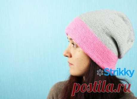 Двухсторонняя яркая шапка для женщин вязаная спицами