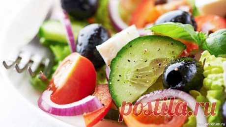 Настоящий Греческий салат Настоящий греческий салат и заправка для греческого салата. Полезное питание, кето рецепты. Быстрый рецепт за 5 минут.Ингредиенты (на 2 порции):  Огурец (крупный) - 1 шт. Помидоры - 100 г. Красный лук - 1/2 шт. Перец красный болгарский - 1 шт. Маслины или оливки - 80 г. Сыр фета - 120 г....