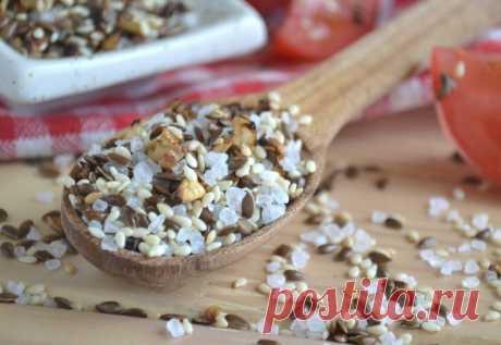 Льняная соль с кунжутом - приготовьте и вы не будете болеть.