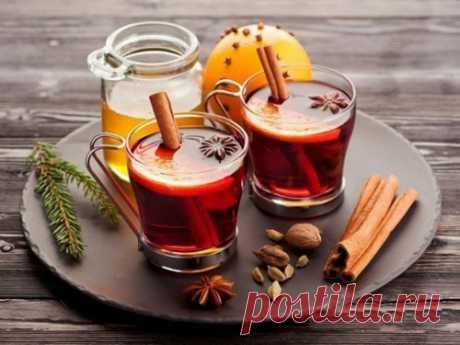 Горячие зимние напитки: как ихприготовить изаговорить наудачу, достаток издоровье  Взимнее время нехватка витаминов может подорвать здоровье, поэтому пора задуматься овкусных иполезных напитках. Горячий травяной или фруктовый чай не только согреет, но и поможет привлечь вжизнь благополучие. Показать полностью…