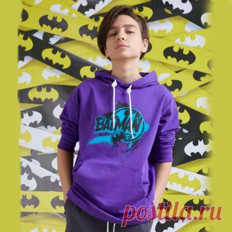 Толстовка-худи для мальчика Orby принт Бэтмен  Цена - 2 999 ₽. Возраст — 7-16 лет рост 122-170 см. Ткань верха — Трикотажное полотно футер петельный; 50% хлопок, 45% ПЭ, 5% эластан Страна-производитель — РОССИЯ.