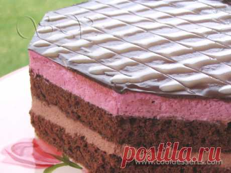 "La torta \""es de chocolate-smorodinovyy\"" (Сhocolate Black Currant Cake)"