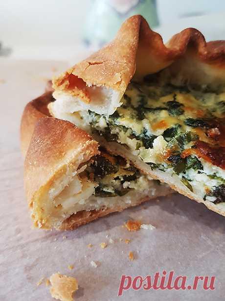 Галета с сыром и зеленью - elaizik.ru Галета с сыром и зеленью – универсальна. Ее можно подать холодной и горячей, как закуску и как основное блюдо, в сопровождении салата или с бокалом вина.