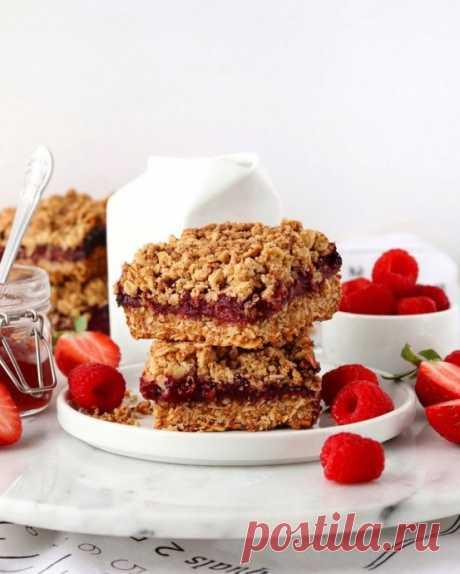 Овсяный пирог с ягодами