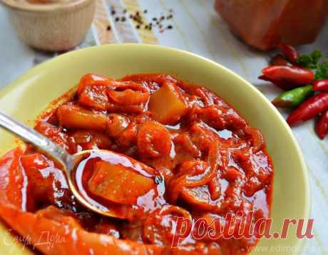 Лечо из кабачков. Ингредиенты: томатная паста, кабачки, подсолнечное масло