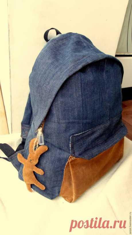 Джинсы превращаются... джинсы превращаются... в рюкзак!
