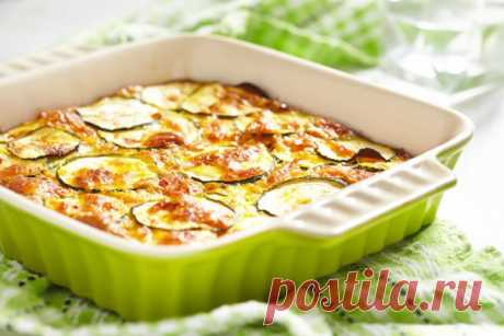 The delightful vegetable marrows baked with cheese. What I looked for so long ago \u000d\u000a\u000d\u000a\u000d\u000aDinner for all family.\u000d\u000a\u000d\u000a\u000d\u000a\u000d\u000a\u000d\u000a\u000d\u000a\u000d\u000a\u000d\u000a\u000d\u000a\u000d\u000aThe vegetable marrows baked with cheese\u000d\u000aIngredients:\u000d\u000aVegetable marrow of 3 pieces. Sour cream of 4 tablespoons. Mustard of 1 tablespoon. Firm cheese of 10 tablespoons. Swell out fennel 1. Parsley 1 swell out. Egg of 2 pieces. Salt on vkusucherny a per …