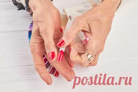 Маникюр, который омолодит руки – рекомендации от мастера и фото примеров | Всегда в форме!