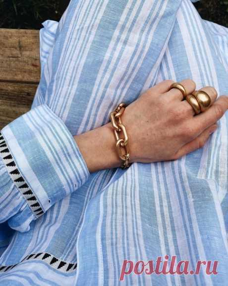 Важные детали💫  📸: @majanaskretska Платье-рубашка из коллекции lemlem x H&M. Ищите в избранных магазинах H&M. #HMMood