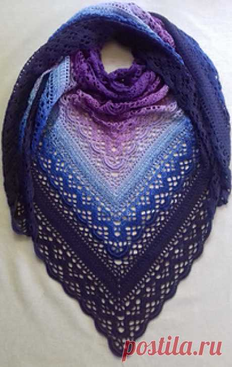 Klaziena Шаль шаблон Кирстен Бишоп  Этот дизайн шали посвящен памяти Klaziena McKinlay Swanson (nee Greve) — любимой матери Sharon Hill of the Southside Sweeties Crochet Group, Beenleigh Bowls Club.