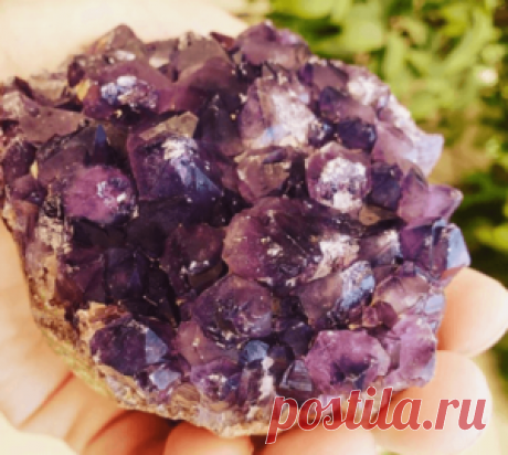 Александрит - камень изменяющий цвет: 9 фото, кому подходит