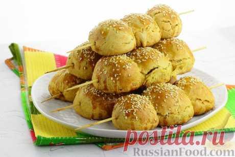 Рецепт: Печёные пирожки с мясом, картофелем и перепелиными яйцами, на шпажках на RussianFood.com
