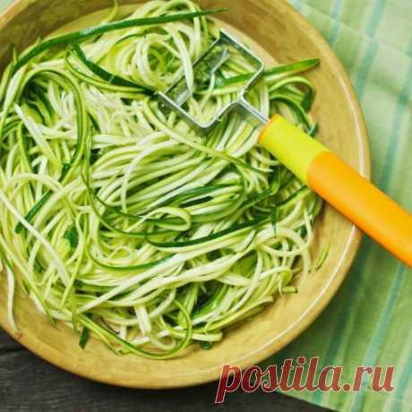 Спагетти из цуккини с кремово-розмариновым соусом