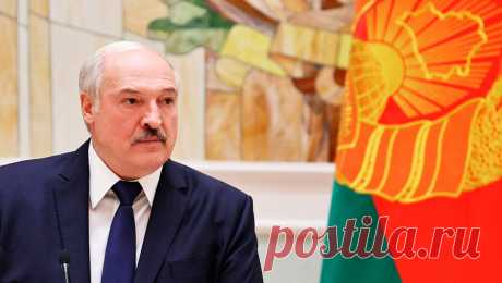 Лукашенко назвал коронавирус ширмой, за которой пытаются переделить мир Президент Белоруссии Александр Лукашенко назвал коронавирус ширмой, за которой глобальные игроки пытаются переделить мир, передает ТАСС .