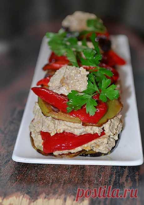 Однозначно, стоит попробовать! Чесночно-ореховый салат с баклажанами и перцем — Готовим дома