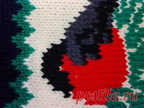 Спицами 4. Вышиваем по петлям рисунок.  We embroider a pattern on the loops.   Knitting