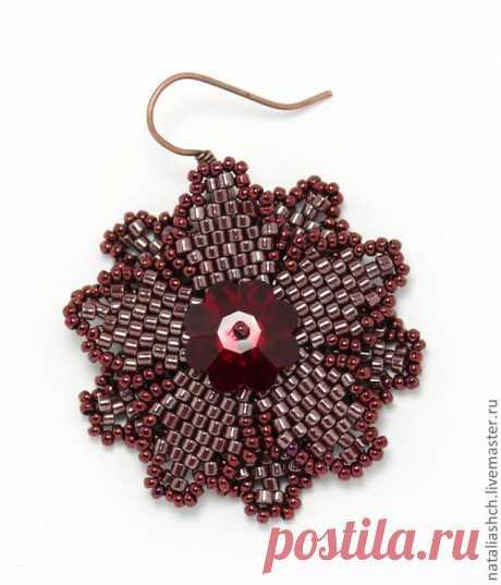 Создаем симпатичные серьги-цветки с кристаллами | Журнал Ярмарки Мастеров