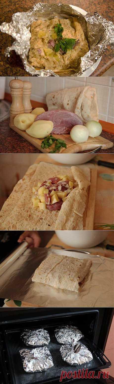 Свинина с картофелем, тушеные в лаваше / Рецепты с фото