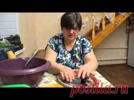 """Пикируем томаты в """"пеленки""""."""