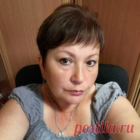 Елена Семиколенова