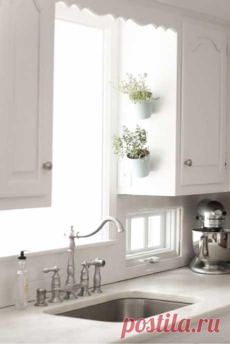 12 хитростей с крючками, которые решат все ваши проблемы с хранением на кухне и в доме