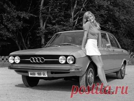 Audi 100 Coupe S [Worldwide] (C1) '1970–76