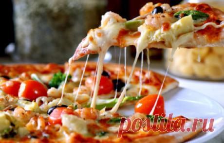 Тесто для пиццы: рецепты вкусного и быстрого, тонкого и мягкого теста (как в пиццерии) Пицца — круглый открытый пирог с великим разнообразием начинок очень популярен в всем мире, поэтому люди частенько заказывают ее на