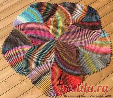 Красивый коврик спицами