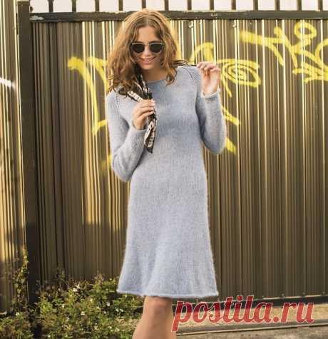 Расклешенное платье с рукавами-реглан