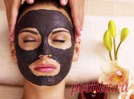 Как известно, активированный уголь - высокоэффективный сорбент, который легко впитывает поверхностные и глубокие загрязнения из пор кожи, очищает от токсинов и шлаков.  МАСКА ДЛЯ ГЛУБОКОЙ ЧИСТКИ КОЖИ  Для глубокой очистки кожи лица от загрязнений используют маску из голубой или чёрной глины с добавлением активированного угля. Показать полностью…