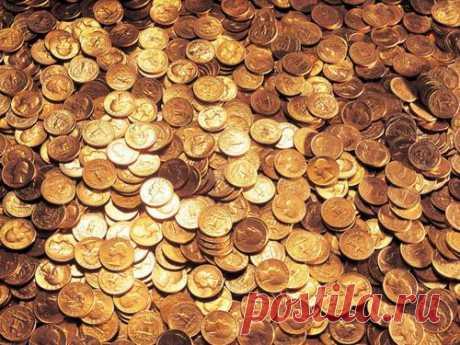 Домашний заговор наденьги Жить обеспеченно— естественное желание инеобходимость каждого человека. Привлечь денежный успех ибогатство всвою жизнь вам поможет простой идейственный денежный заговор.