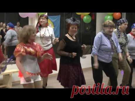 "Бабушки зажигают! Юмористический танец - сценка ""Моя бабушка курит трубку"""