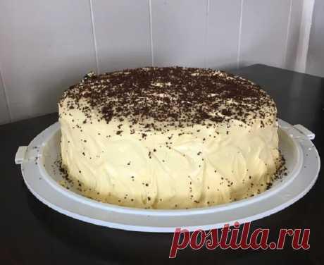 Абсолютно черный внутри и кремовый снаружи: на день рождения сына испекла необычный торт (все думали, что я его заказывала у кондитера)