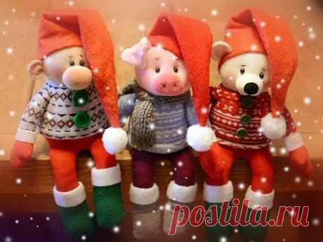 Новогодние игрушки из носочков!