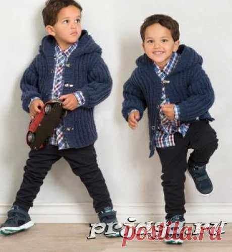 Жакет – пальто спицами мальчику