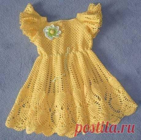 Платье крючком для малышки.