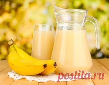 ДИЕТИЧЕСКИЕ НАПИТКИ С ПРИРОДНЫМИ РАСТВОРИТЕЛЯМИ!!! Банан идеальный поставщик калия, который выводит из организма лишнюю воду. Клетчатка ускоряет обмен веществ. Употребляя в пищу банан, мы успокаиваем ложное чувство голода, которое часто заставляет нас жевать «что-нибудь вкусненькое» и при этом очень-очень вредное. Банановый с льняными семечками. 1 банан, 1 апельсин, 2 ч. ложки молочной сыворотки, 2 ч. ложки семян льна.